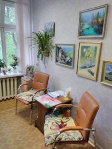 фото Кресла в кабинете психолога